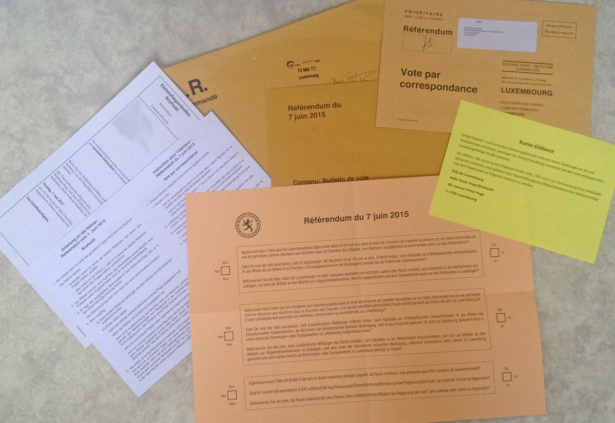 1200px-Luxembourg_Referendum_2015_Postal_vote_-_ballot_and_other_documents