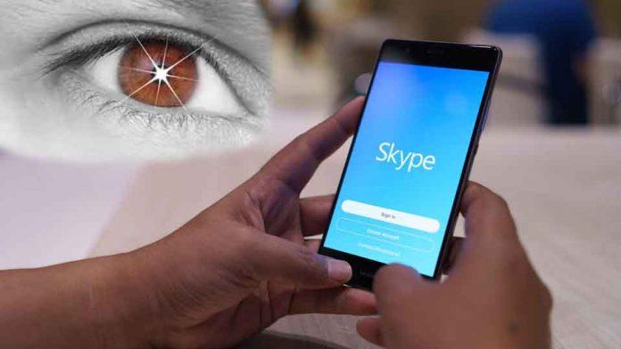 Phone-Use-Eye