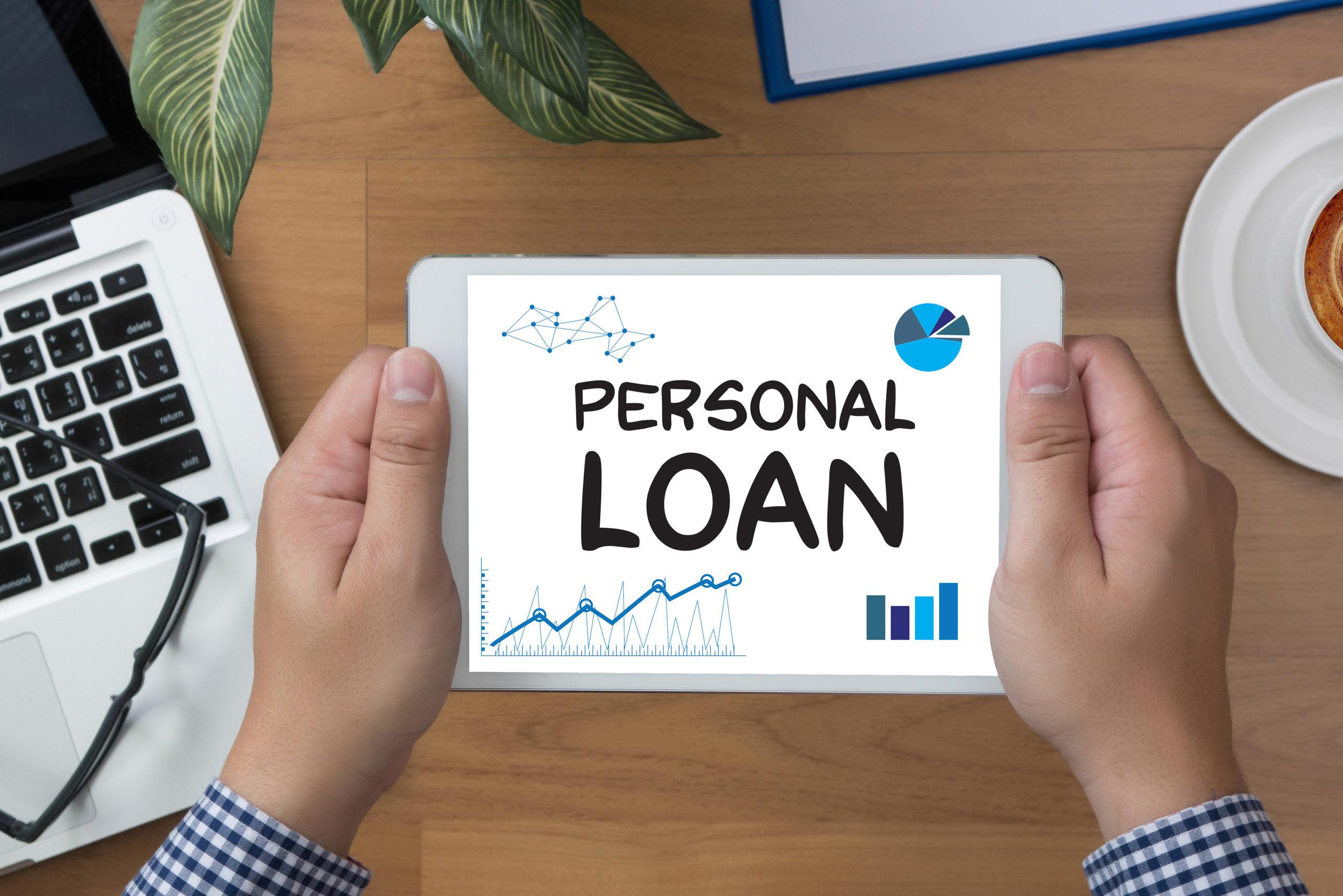 personal-loan-man-hand